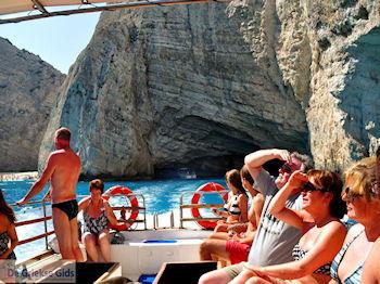 Scheepswrak Zakynthos   Shipwreck Zakynthos   De Griekse Gids   nr 42 - Foto van De Griekse Gids